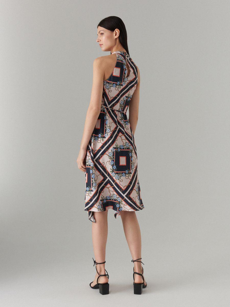 Šaty s výstřihem halter - černý - WS534-99P - Mohito - 5