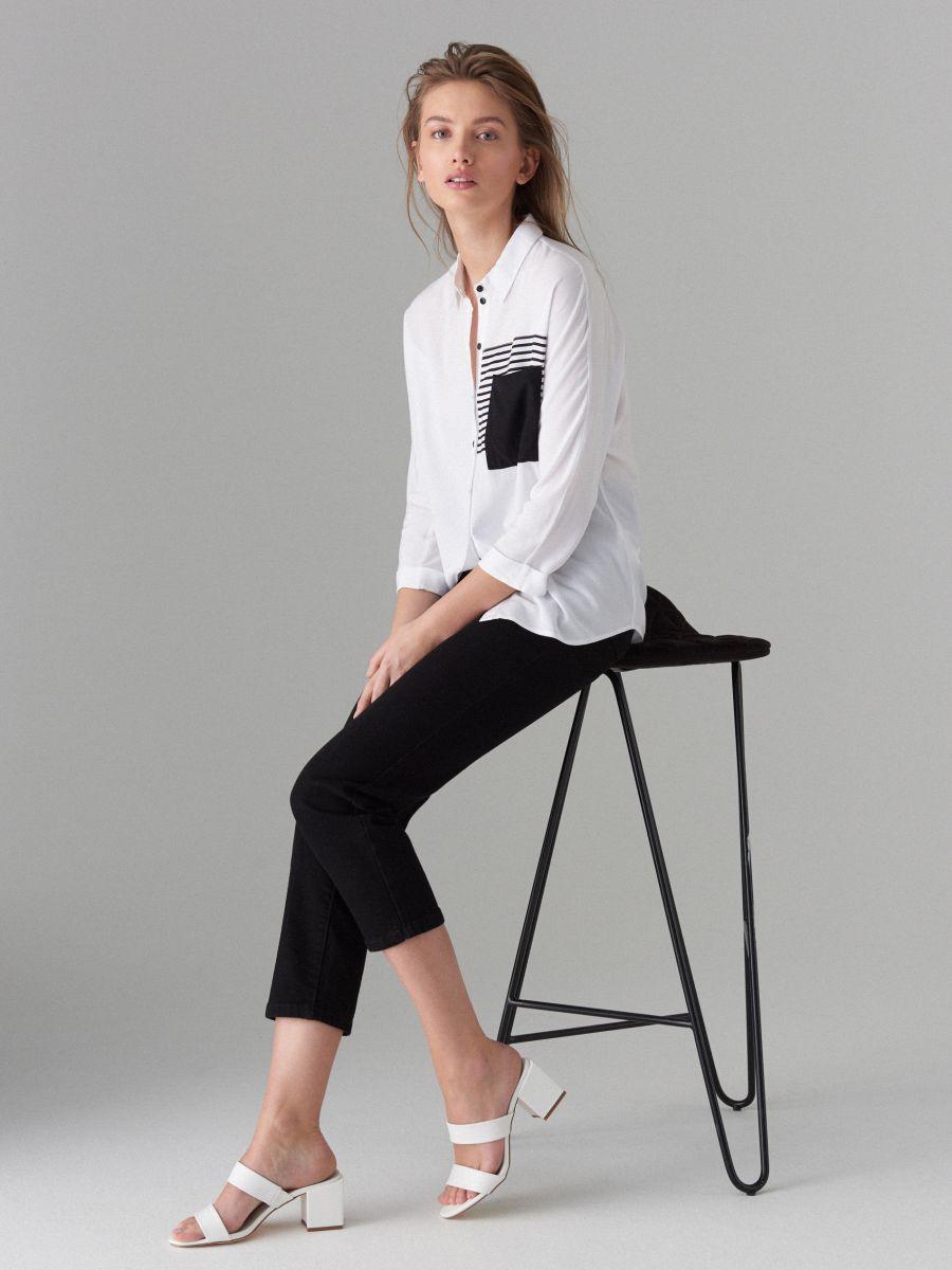 Koszula z ozdobną kieszonką - biały - VB667-00P - Mohito - 3