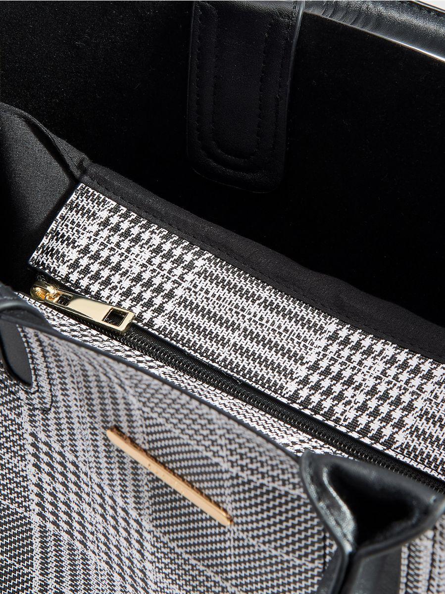 Shopper stila soma ar rūtainu zosu kājiņu rakstu  - daudzkrāsains - VD476-MLC - Mohito - 4