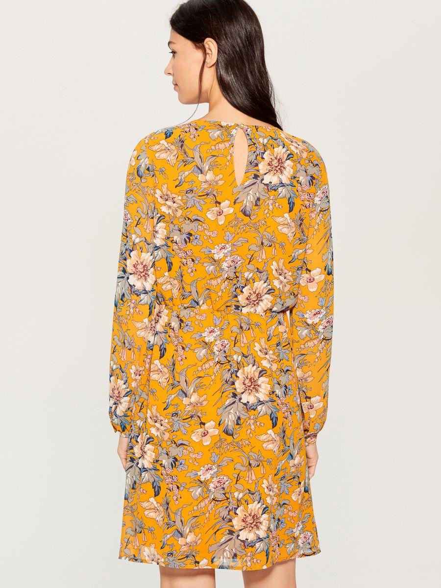 Rakstaina kleita ar garām piedurknēm - dzeltens - VJ592-17P - Mohito - 4