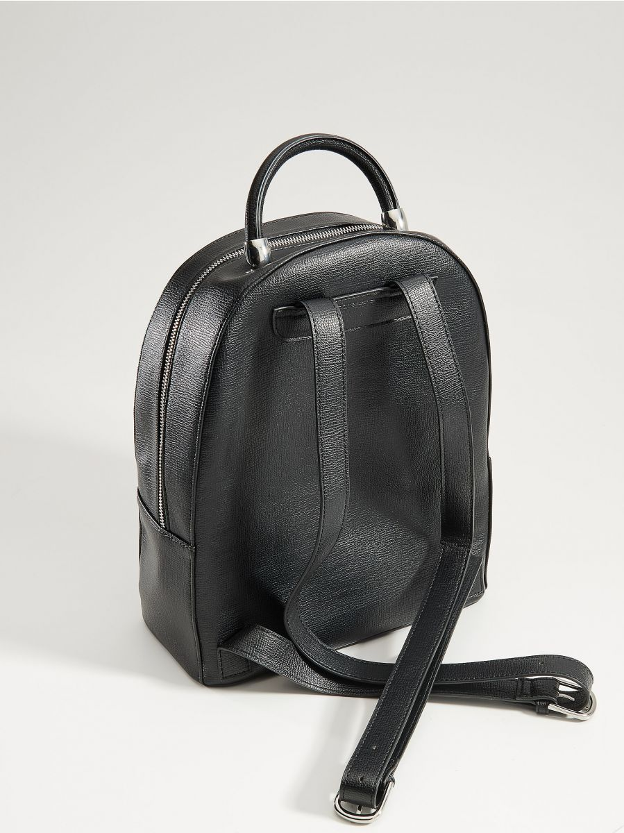 Eleganta mugursoma ar rokturi - melns - VP619-99X - Mohito - 4