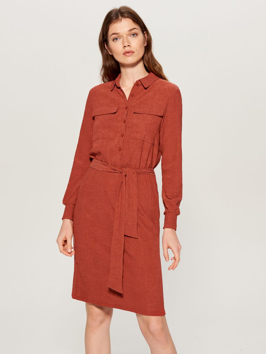 Shirt dress with tie waist - burgundy - VU648-83X - Mohito - 1