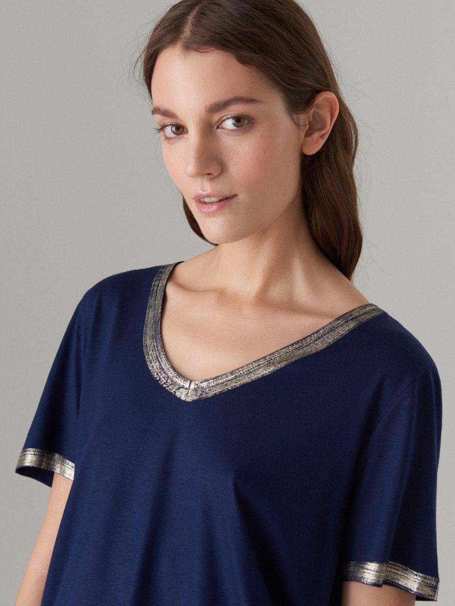 T-krekls ar spīdīgu maliņu - zils - VU862-95X - Mohito - 2