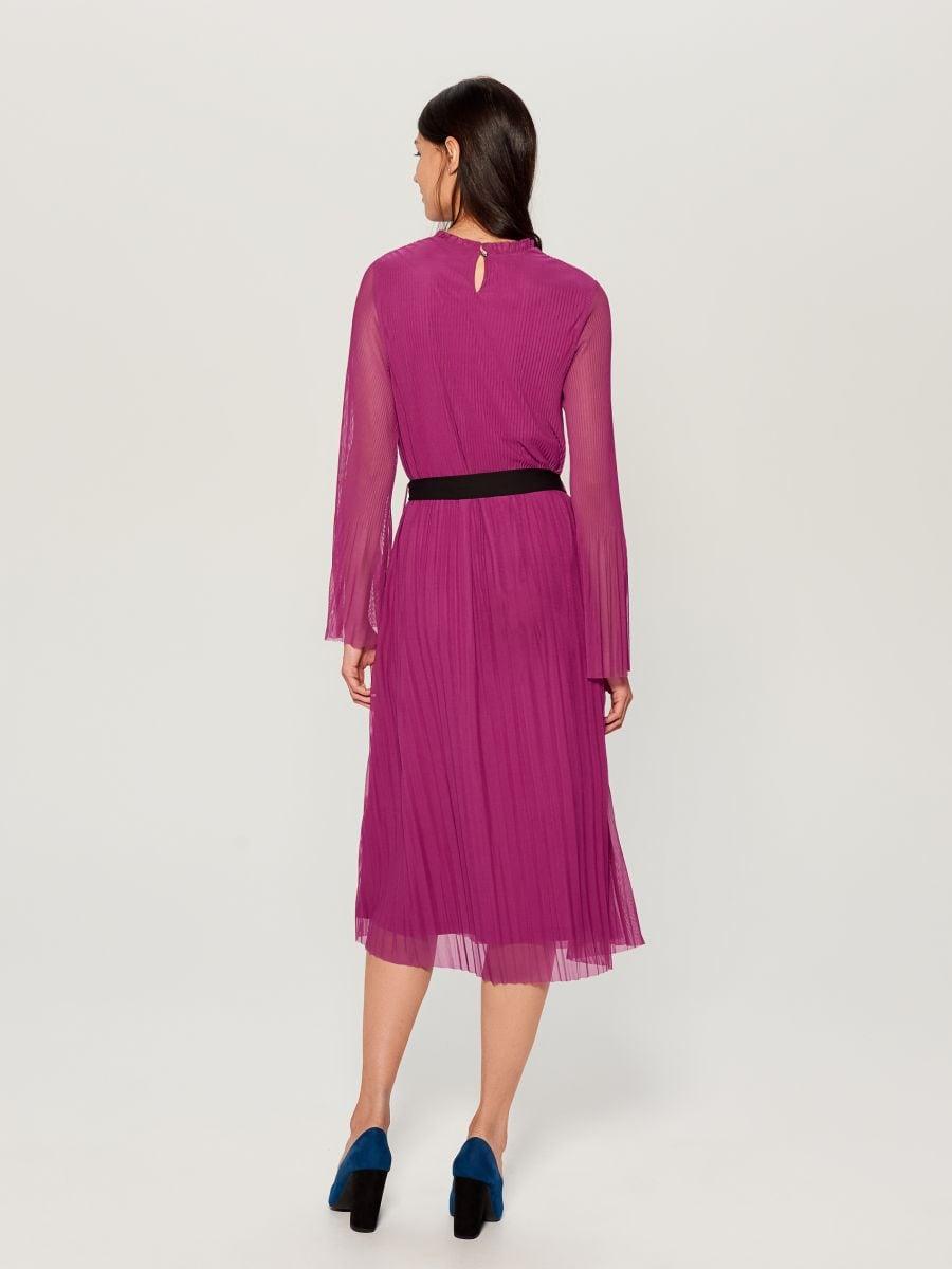 Plisowana midi sukienka - różowy - WB460-42X - Mohito - 5