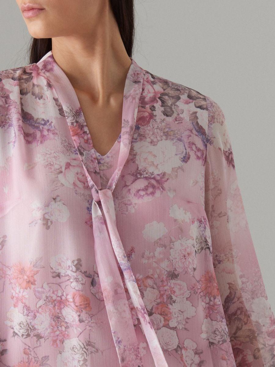 Puķaina kleita ar dekoratīvu šņorējumu - rozā - WG965-39P - Mohito - 2