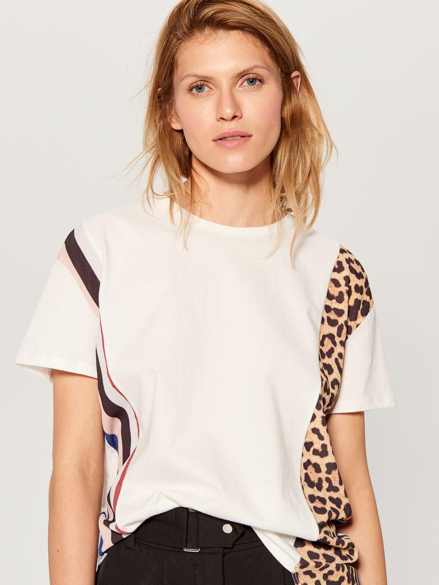 T-krekls ar leoparda apdrukas ielaidumu  - balts - WL110-00X - Mohito - 3