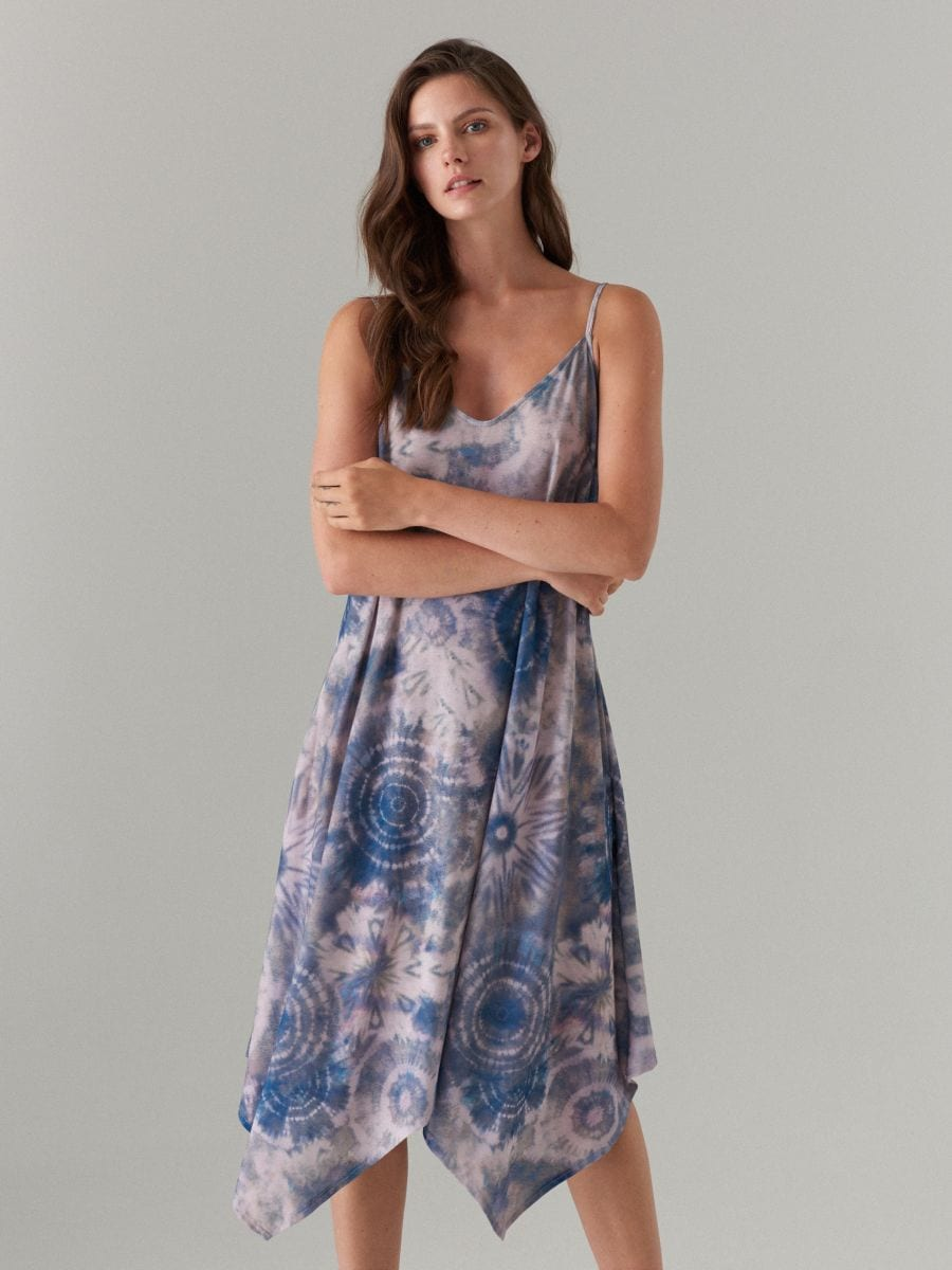 7b4535d7ab1 Batikamustriline asümmeetriline kleit - beež - XA057-98P - MOHITO - 1