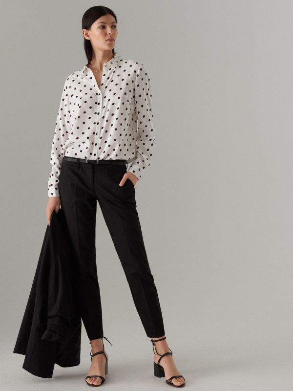 743a90946 Klasyczna koszula · Klasyczna koszula - biały - UK238-00P - MOHITO