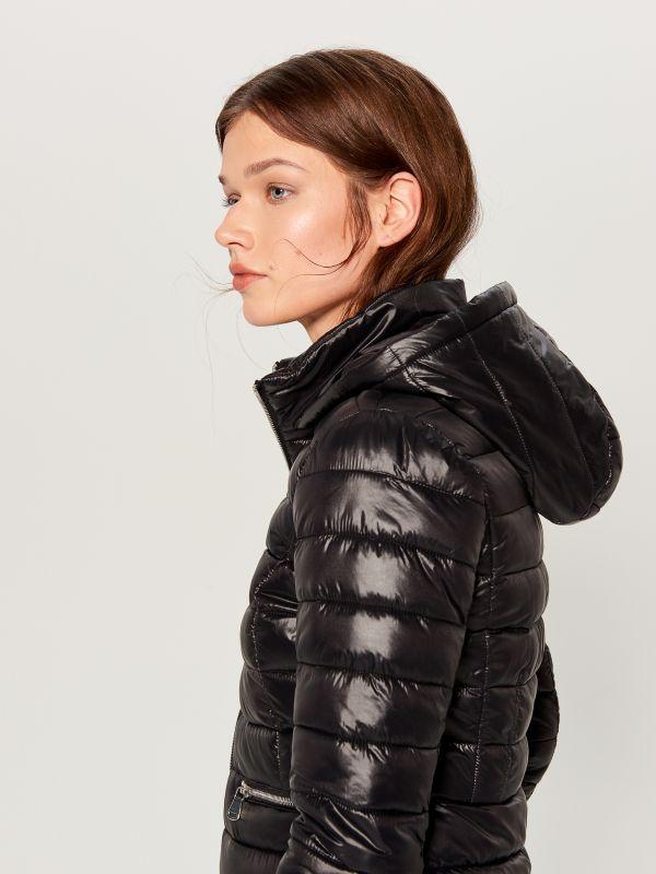 73e99061b53d5 Куртка-бомбер с леопардовым принтом · Стеганая куртка с капюшоном - Черный  - UN247-99X - MOHITO