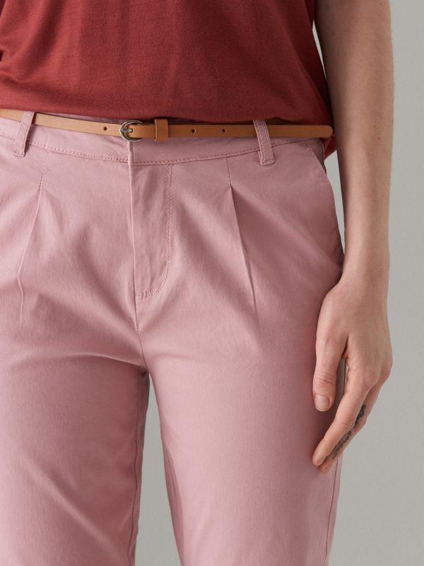 Piegulošas chino bikses ar jostu - rozā - UT539-39X - Mohito - 3