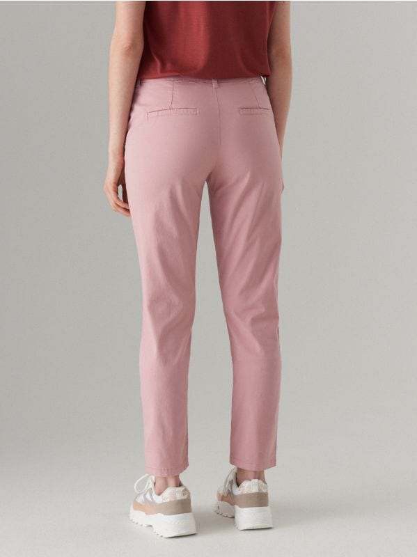 Piegulošas chino bikses ar jostu - rozā - UT539-39X - Mohito - 4