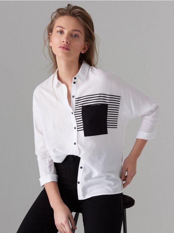 Koszula z ozdobną kieszonką - biały - VB667-00P - Mohito - 1