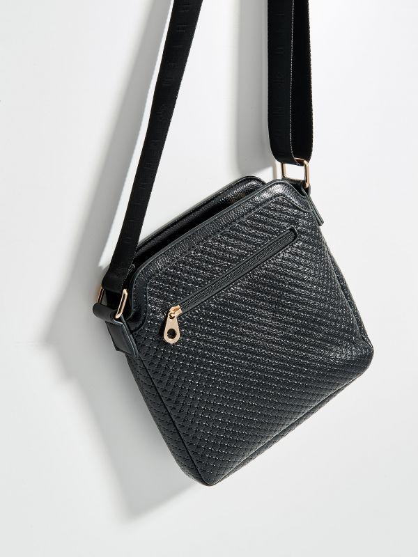 Plecu soma ar ģeometrisku tekstūru - melns - VE362-99X - Mohito - 1