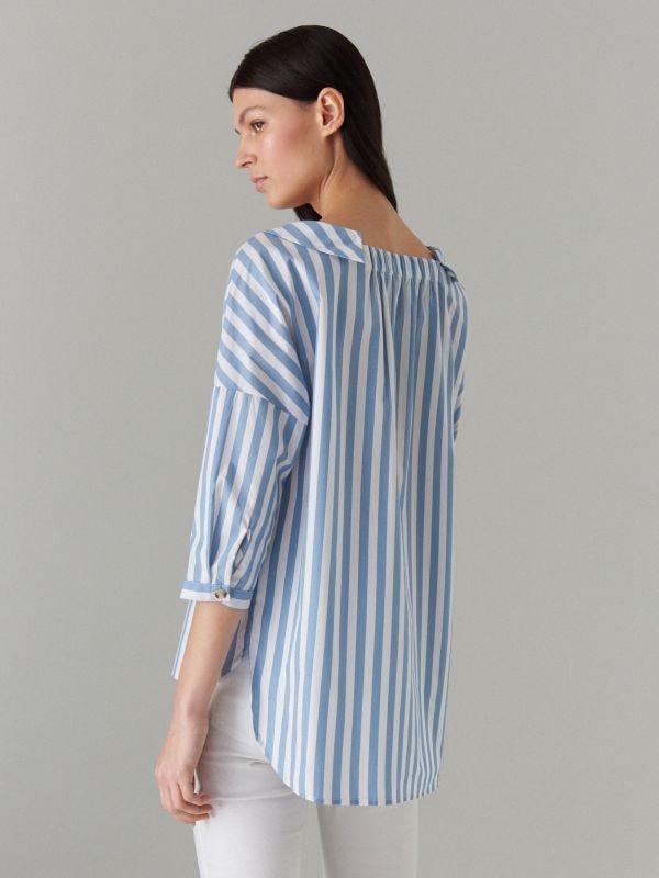 Oversize krekls ar platu apkakli - zils - VQ796-05P - Mohito - 4