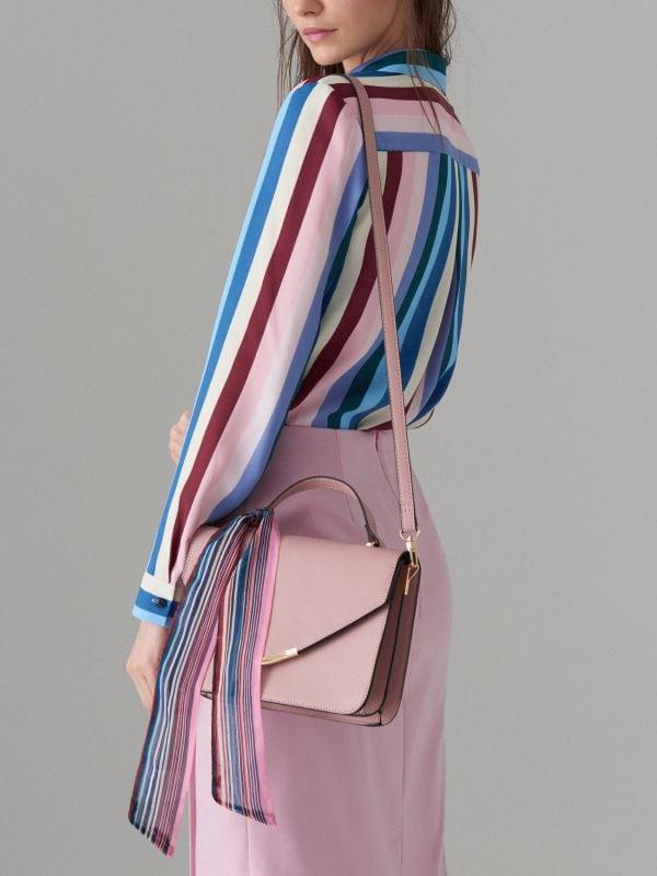 Torebka na ramię z apaszką - różowy - VR675-03X - Mohito - 1