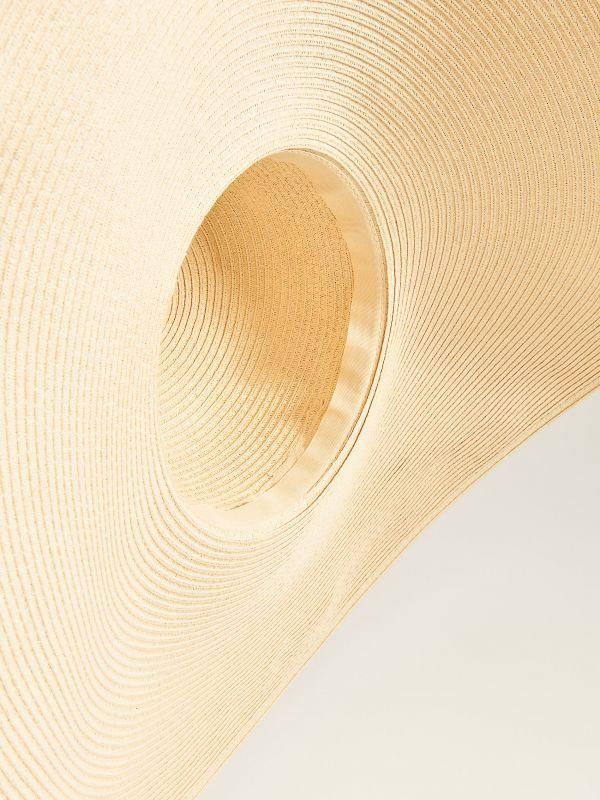 Słomkowy kapelusz z szerokim rondem - beżowy - VS882-12X - Mohito - 3