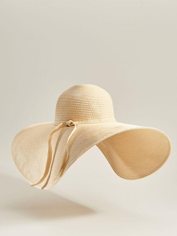 Słomkowy kapelusz z szerokim rondem - beżowy - VS882-12X - Mohito - 4