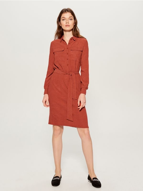 Shirt dress with tie waist - burgundy - VU648-83X - Mohito - 3