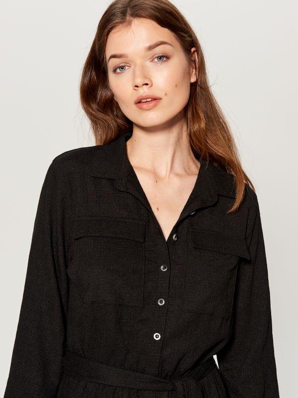Kreklkleita ar sasienamu jostu vidukļa daļā  - melns - VU648-99X - Mohito - 1