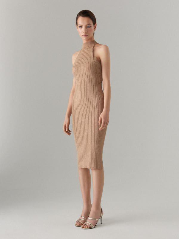 Pieguloša kleita ar halter tipa dekoltē Celebration - bēšs - VZ349-80L - Mohito - 1