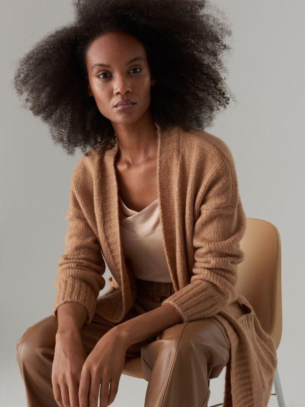 6f948561 Swetry i bluzy damskie Mohito - dopełnienie każdej stylizacji!
