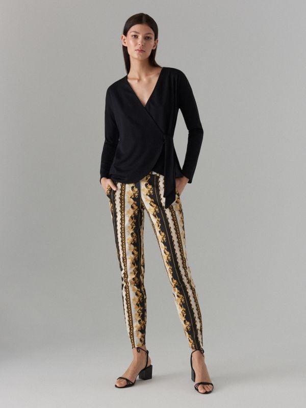 ddf2c1ef8732e7 Spodnie damskie Mohito - połącz wygodę z elegancją!