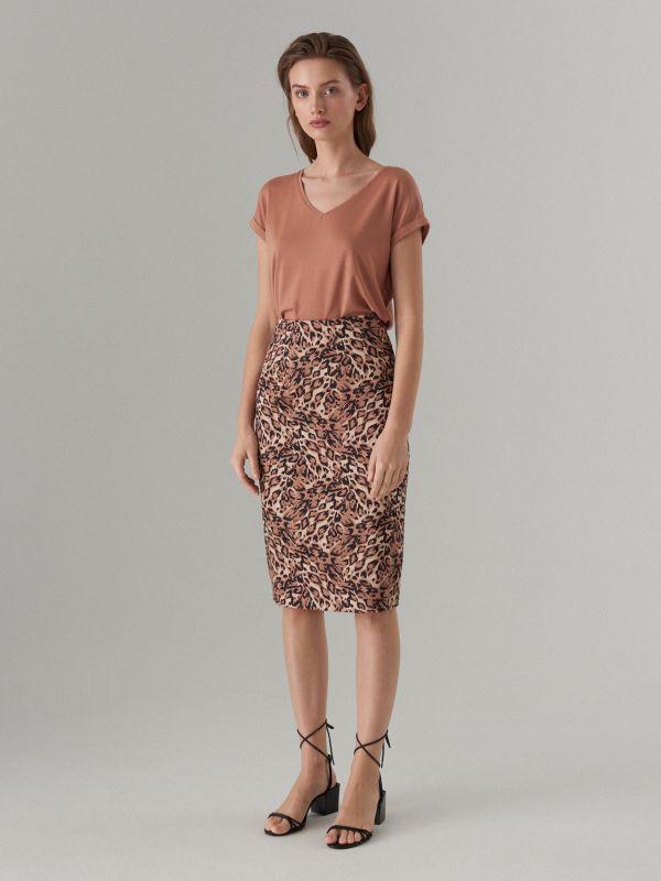 4eb98ade27655f Ołówkowa spódnica z lnu · Bawełniana spódnica we wzory - brązowy -  WT861-88P - MOHITO