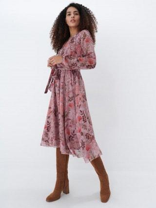 Gėlėta midi ilgio suknelė
