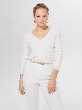 Prążkowany sweter basic