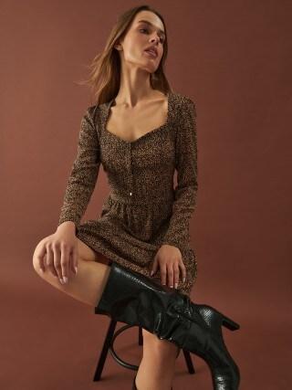 Sukienka w zwierzęcy wzór