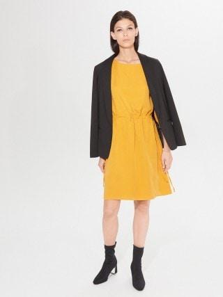 Modalna mini haljina