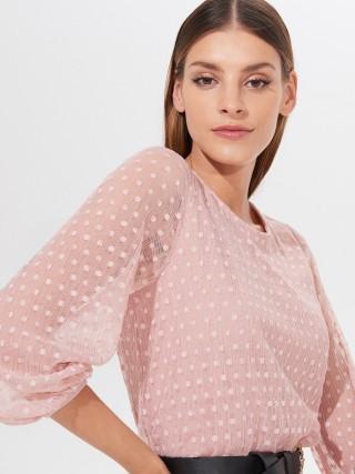 Šaty z látky plumetis