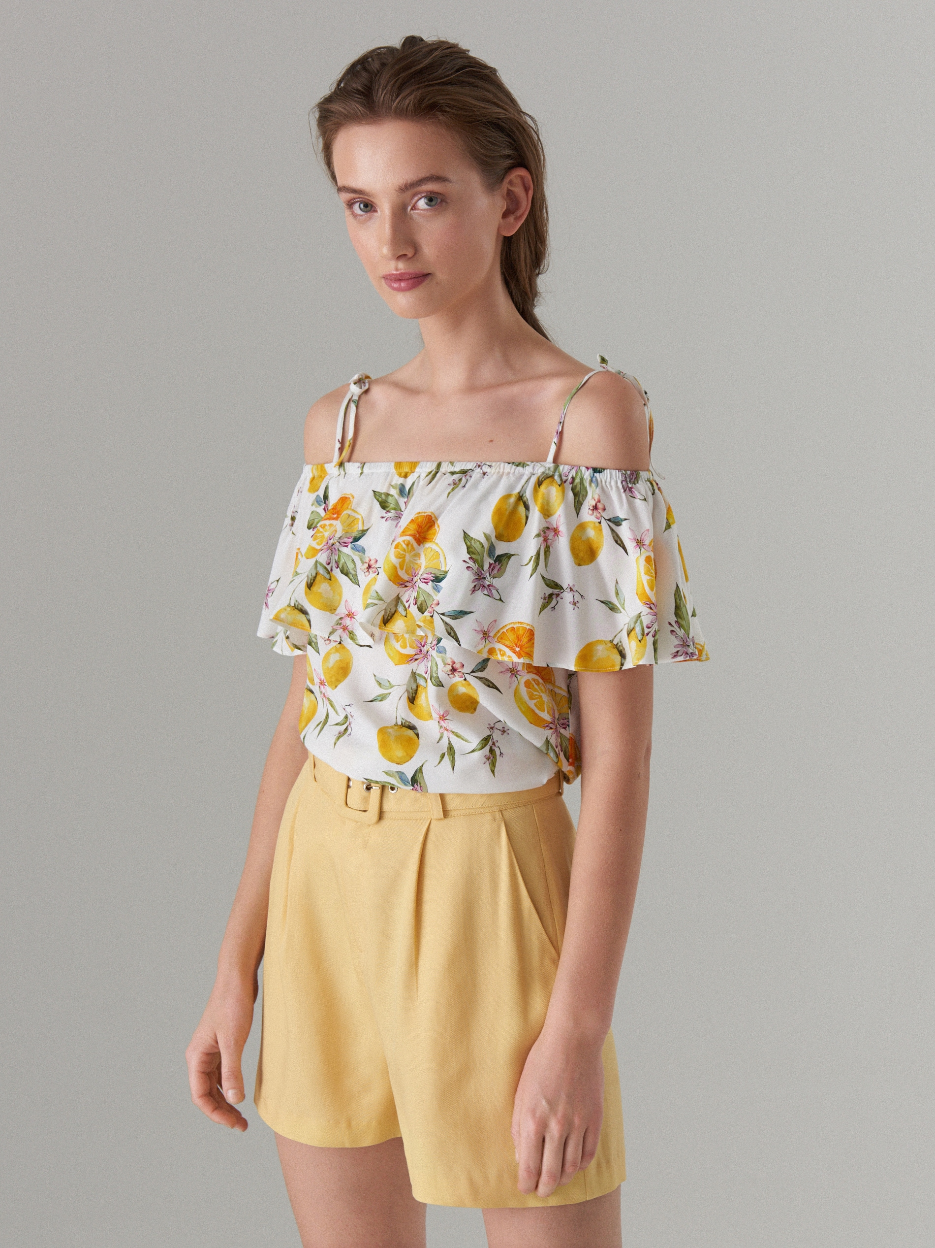 6045edc12a38f6 Printed open shoulder blouse - yellow - VV619-00P - Mohito - 1