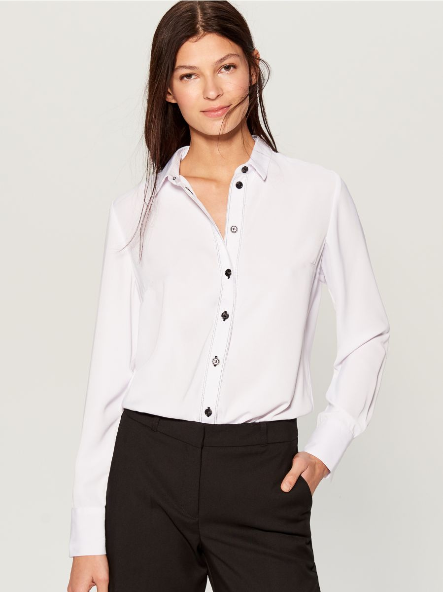 Shirt with contrasting buttons - white - VB664-00X - Mohito - 1