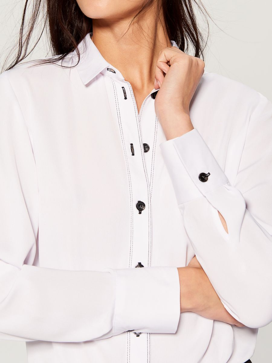 Shirt with contrasting buttons - white - VB664-00X - Mohito - 4
