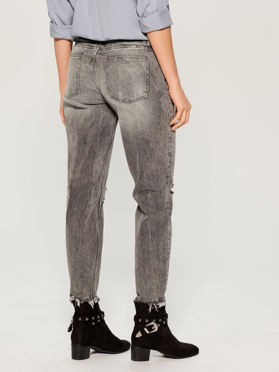 Worn boyfriend jeans - light grey - VC494-09J - Mohito - 5