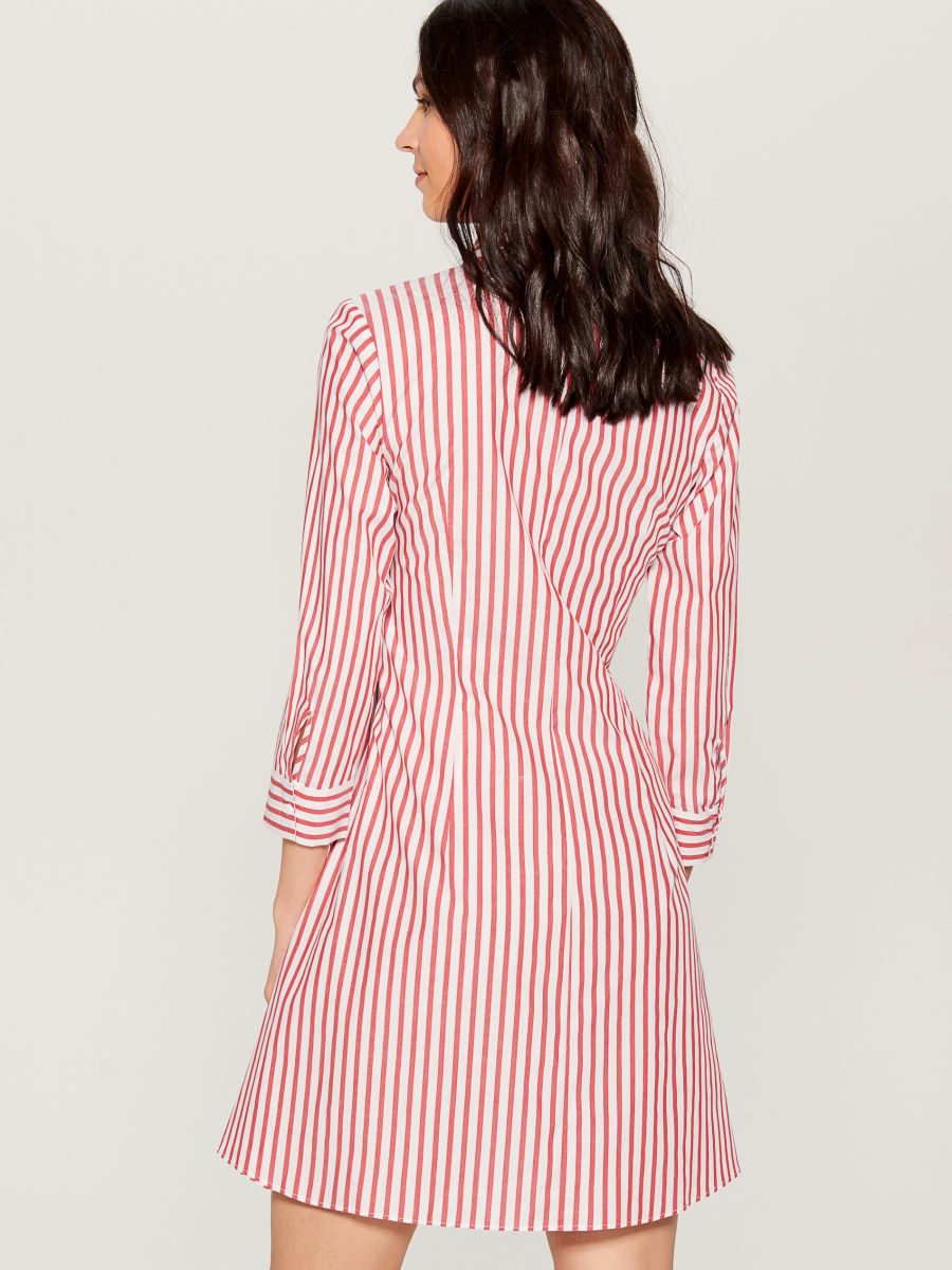 Shirt dress with tie - red - VD247-33P - Mohito - 4