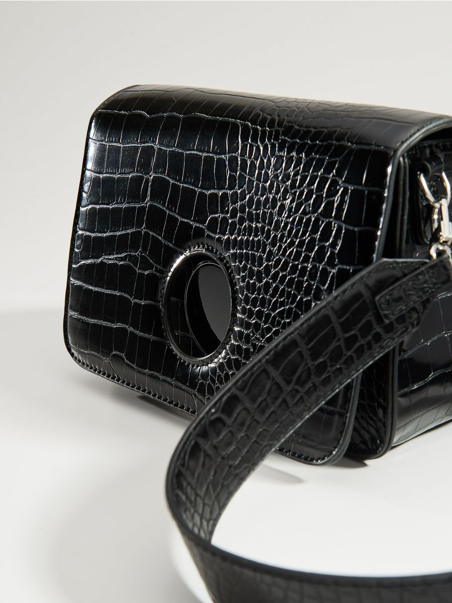 Cross body bag with round clasp - black - VE353-99X - Mohito - 4