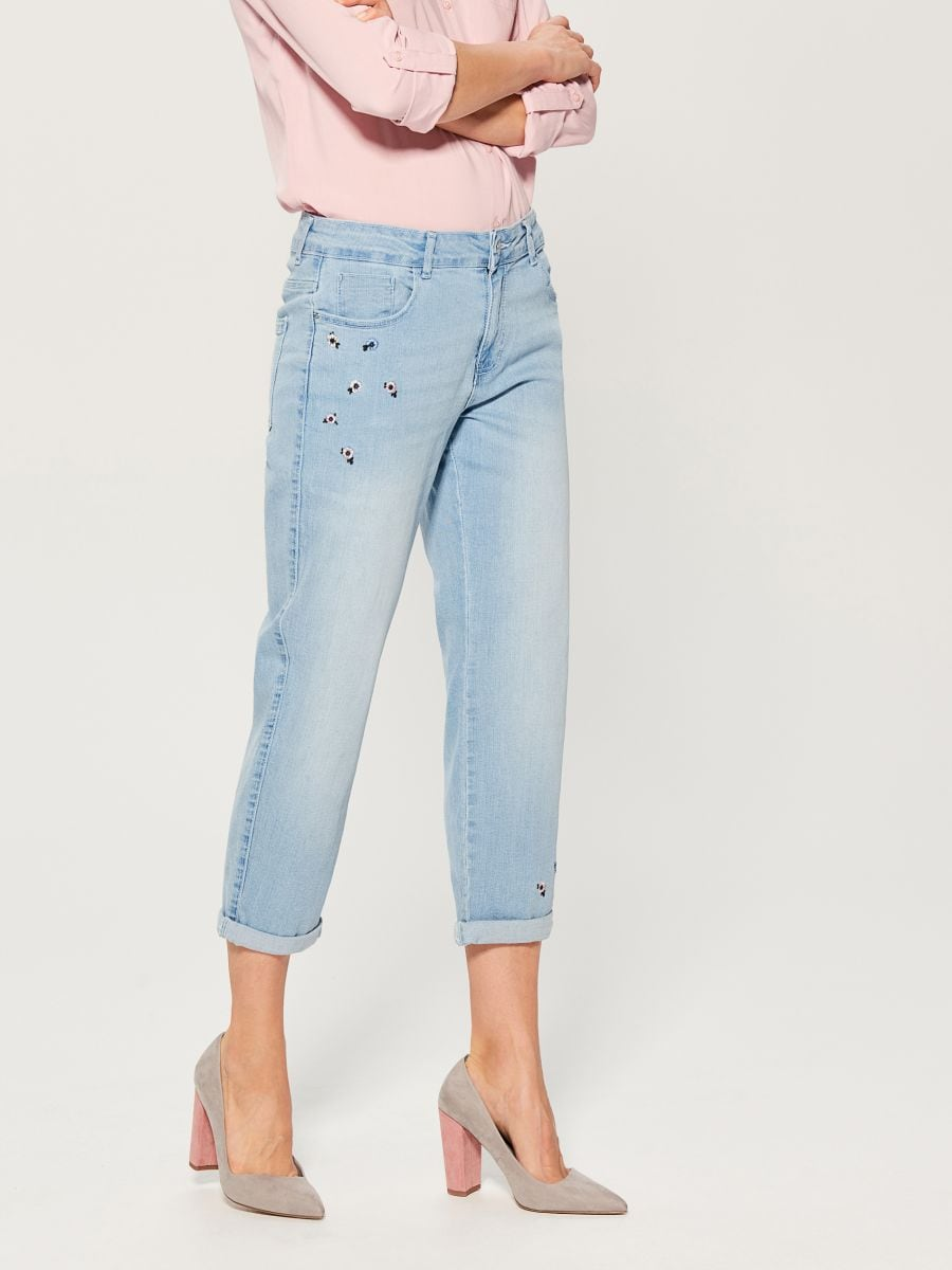 Boyfriend jeans with floral embroidery - blue - VG895-05J - Mohito - 1