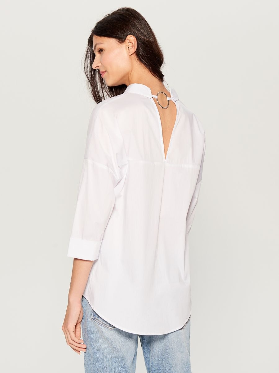 Oversized shirt with V back - white - VN055-00X - Mohito - 4