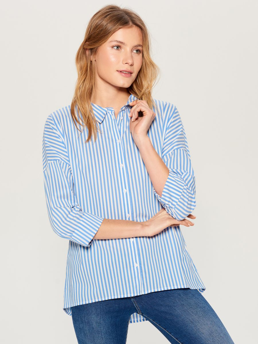 Oversized shirt with V back - blue - VN055-05P - Mohito - 2