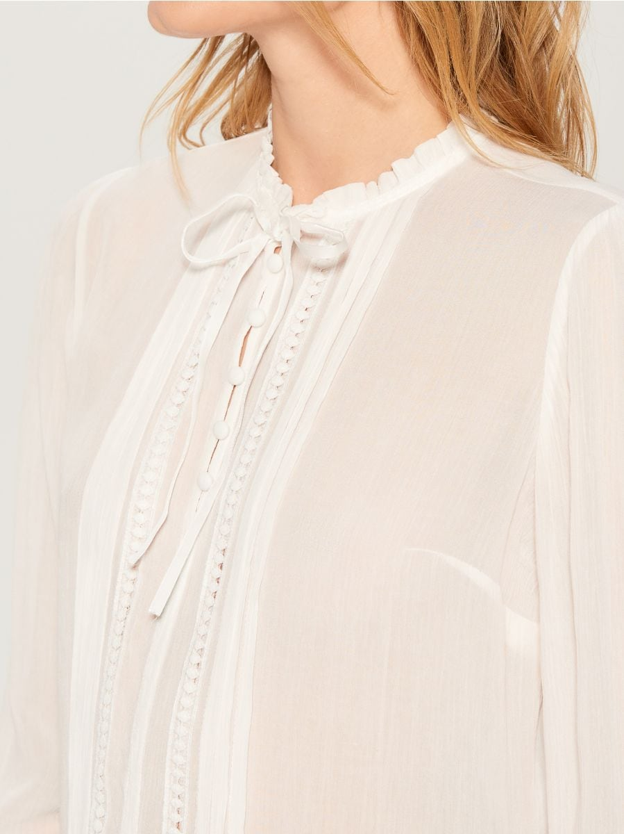 Ruffle neck blouse - ivory - VN124-01X - Mohito - 3