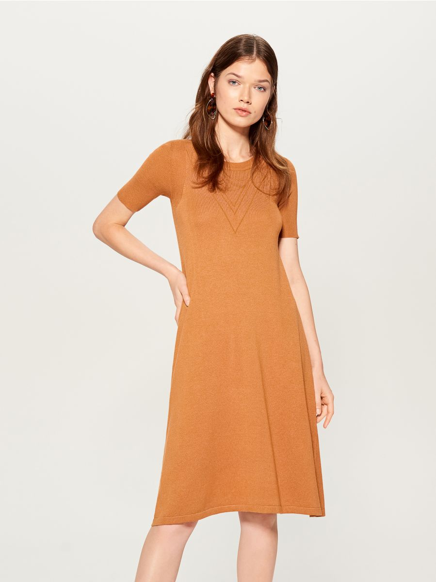 Dress with short sleeves - brown - VU726-82X - Mohito - 3
