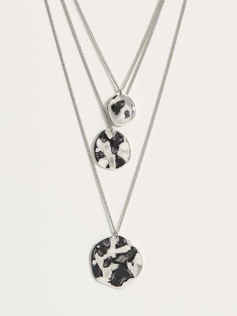 Layered necklace with pendants - silver - VY367-SLV - Mohito - 2
