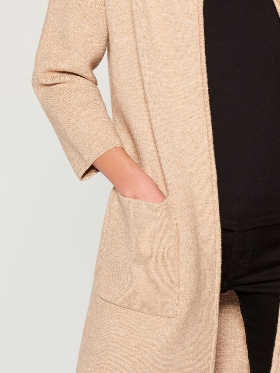 Cardigan with pockets - beige - VZ806-08X - Mohito - 4