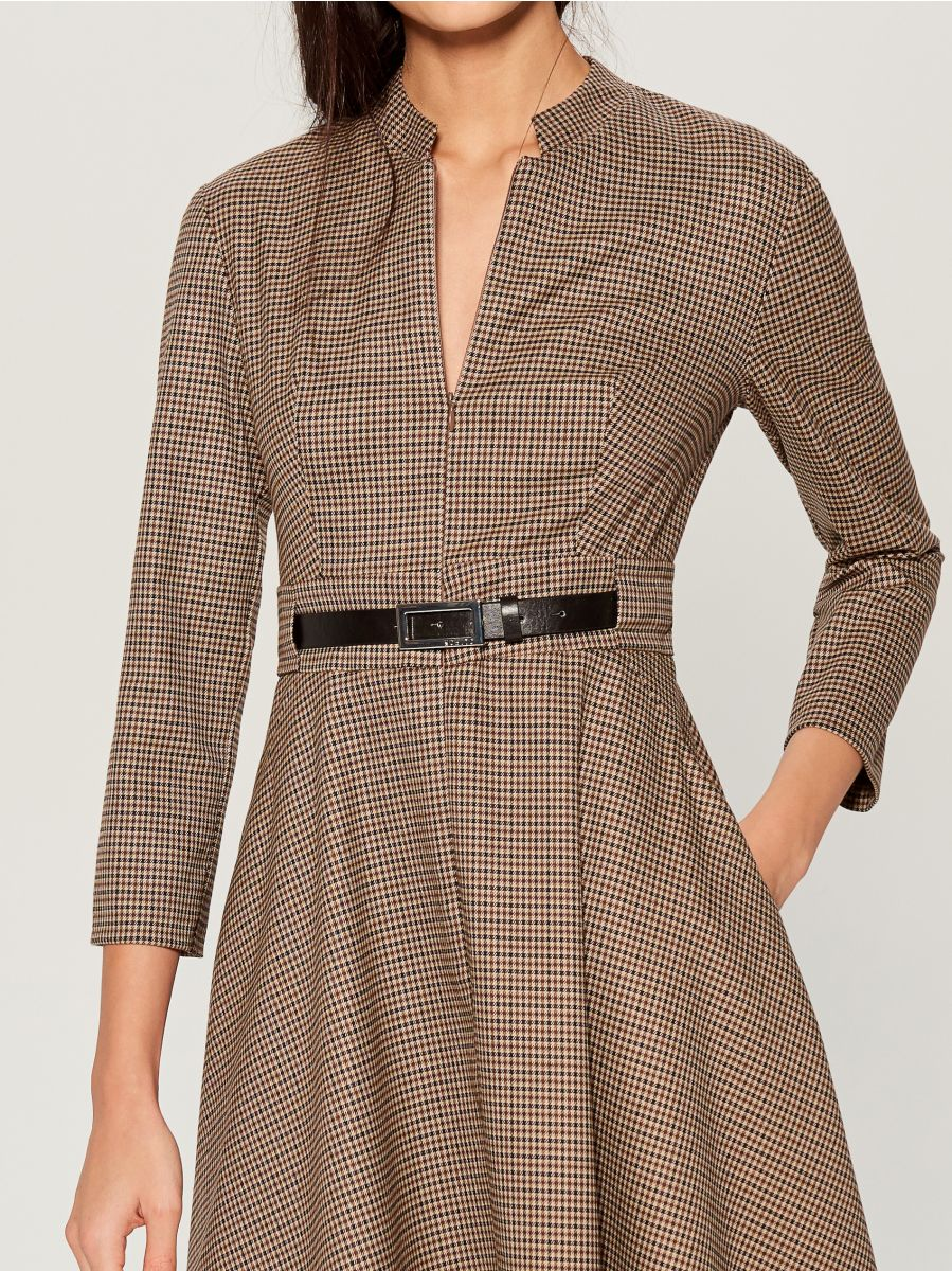 Dress with belt - beige - WA908-08P - Mohito - 4