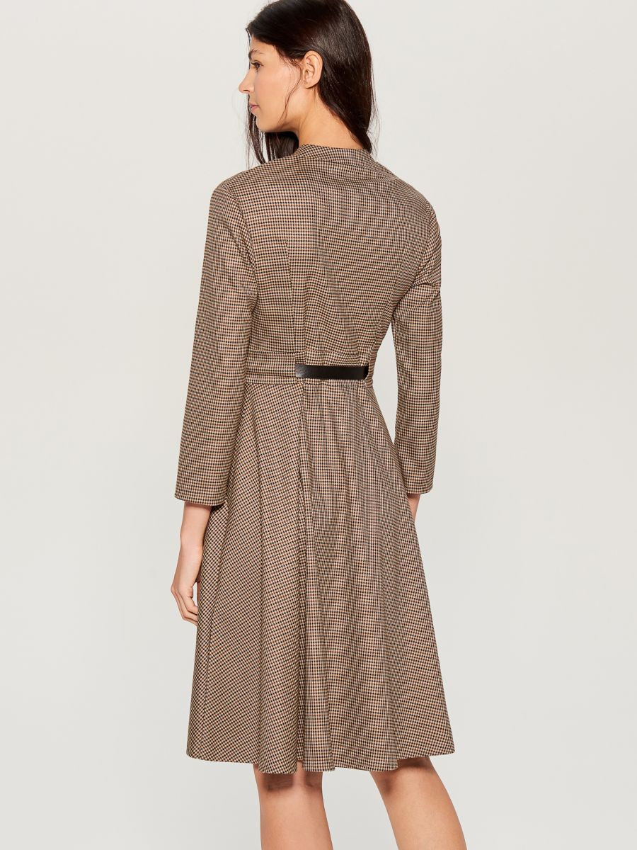 Dress with belt - beige - WA908-08P - Mohito - 5