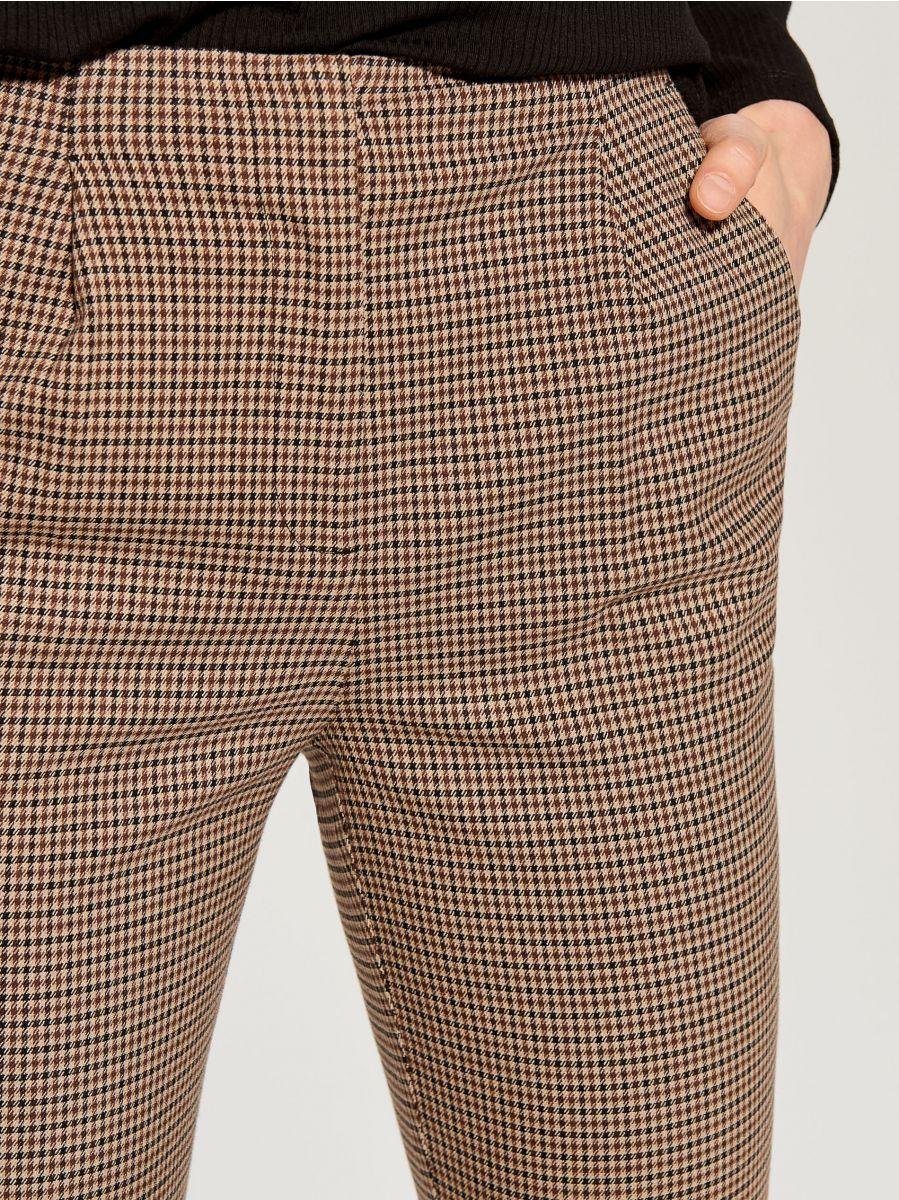 Checked cigarette trousers - beige - WP109-08P - Mohito - 3