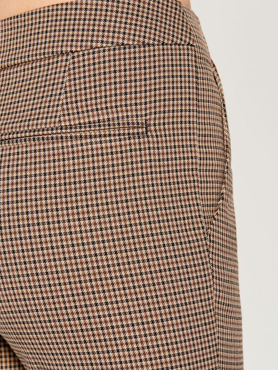 Checked cigarette trousers - beige - WP109-08P - Mohito - 5