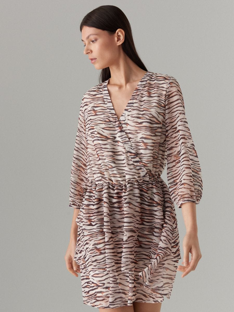 Wrap dress with animal motif - beige - WT509-08P - Mohito - 2
